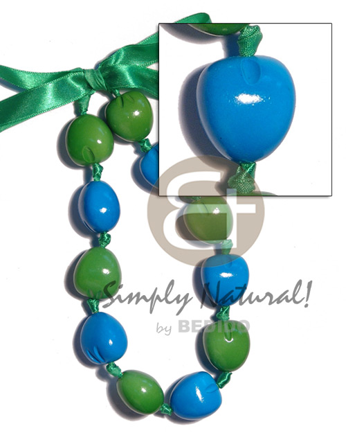 Natural kukui nut choker in chunky necklace