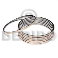 Cebu laminated hammershell natural in 3mm inlaid metal bangles