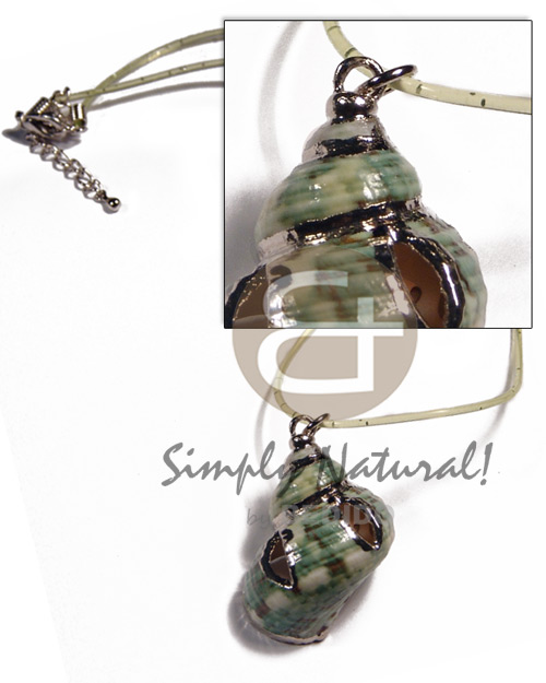 Wholesale green turbo shell in green necklace with pendant