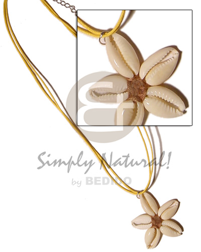 Ethnic flower sigay center cloth necklace with pendant