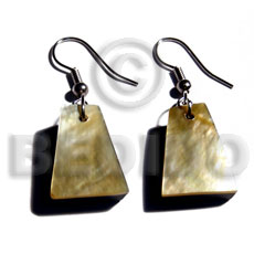 Natural dangling 18mmx14mm pyramid mop resin earrings