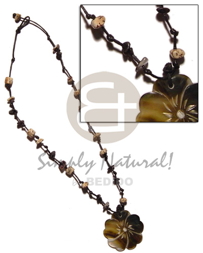 Philippine 35mm blacklip flower in knotted shell necklace