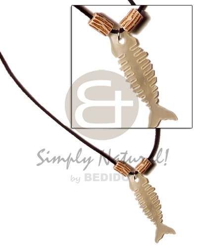 Ethnic leather thong fishbone hammershell shell necklace