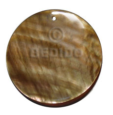 Ladies brownlip shell round 40mm shell pendant