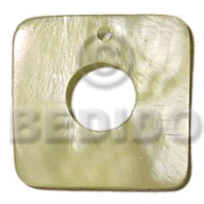 Ladies 40mmx40mm light yellow square hammershell shell pendants