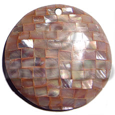 Wholesale 45mm round in rust shell pendants