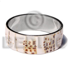 Ladies laminated cowrie shell in inlaid metal bangles