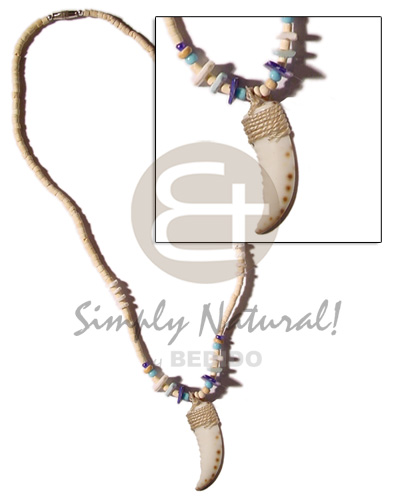 Ethnic cowrie shell fangs pendant in natural earth color necklace
