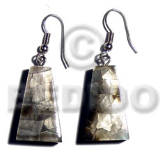 Philippine dangling 25mmx15mm pyramid laminated blacklip resin earrings
