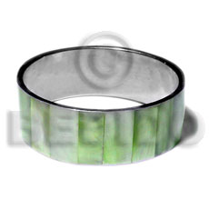 Fashion laminated neon green hammershell in shell bangles