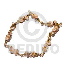 Native popcorn luhuanus in gold chain shell bracelets