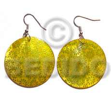 Teens dangling 35mm round handpainted embossed hammershell shell earrings