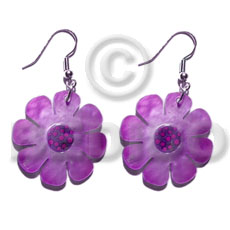 Cebu dangling 30mm flower hammershell in shell earrings