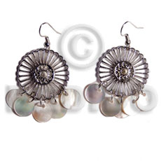 Natural dangling 10mm round hammershells in shell earrings