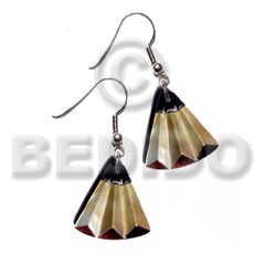 Ladies dangling 35mmx37mm laminated mop blacktab accordion shell earrings