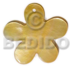 Ladies mop flower 40 mm shell pendant