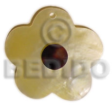 Natural scallop mop flower cowrie shell pendant