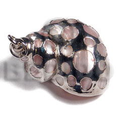 Philippines faint pink turbo shell approx. shell pendant