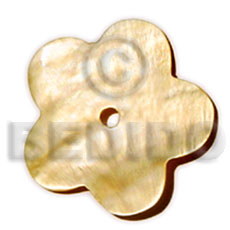 Natural scallop mop 40 mm shell pendants