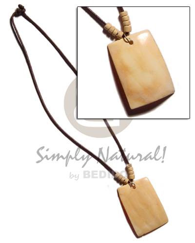 Fashion 40mm rectangular melo pendant in womens necklace